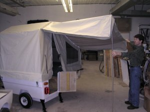Mini Camp aanhangwagen compleet met luifel en deurtje