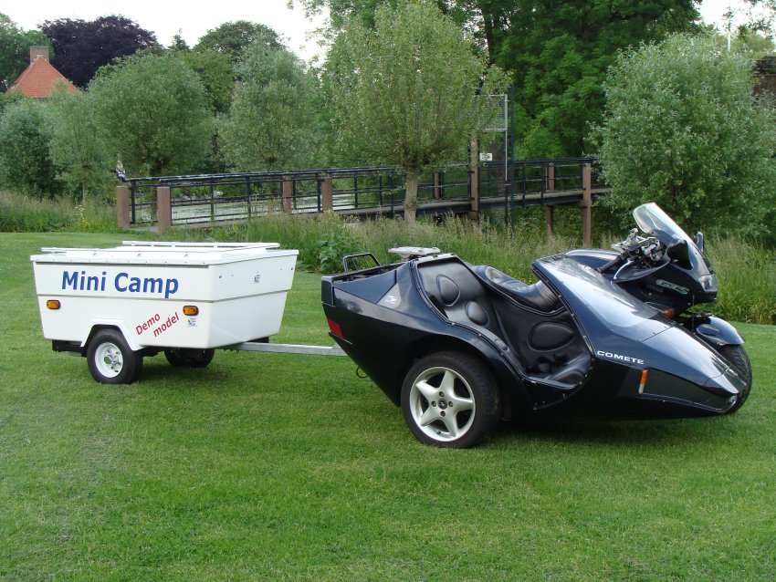 pop up motorcycle trailer with Tag Mini Caravane Pliante Pour Moto Html on Page 12 furthermore 22358 likewise Small Pop Up C ers Lightweight furthermore Motorcycle C er Trailers additionally This Past Summers Most Interesting Little Rvs.