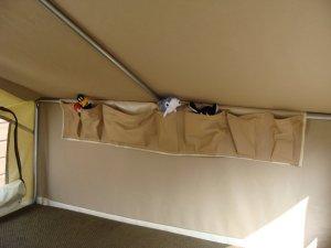 L'intérieur de la camping car Mini Camp