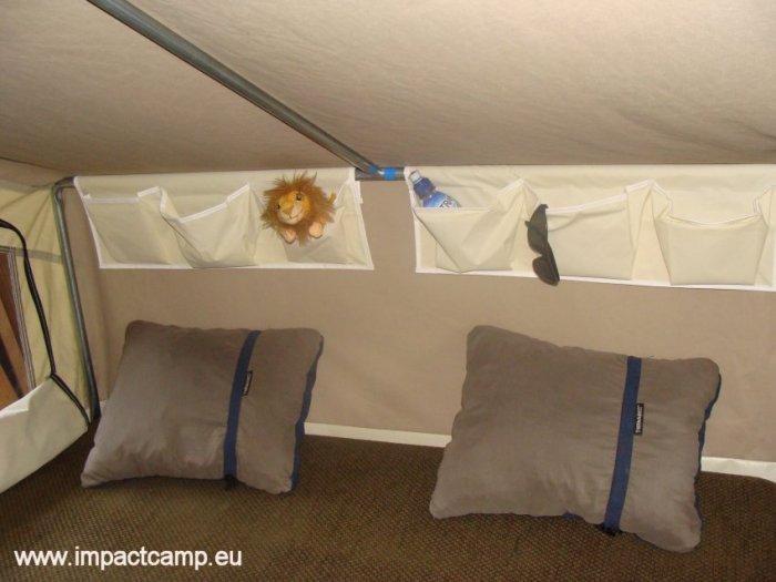 Tent organisers in de vouwwagen
